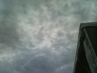 怪しい雲行